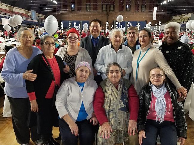 Vida Senior Centers emprendió una campaña de financiamiento en línea para seguir adelante con su labor