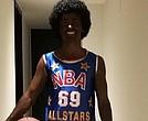 Griezmann se disfrazó de negro jugador de basquet