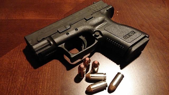 La policía de Boston unió esfuerzos con otras localidades de Nueva Inglaterra y hospitales locales para incentivar a las personas a entregar sus armas