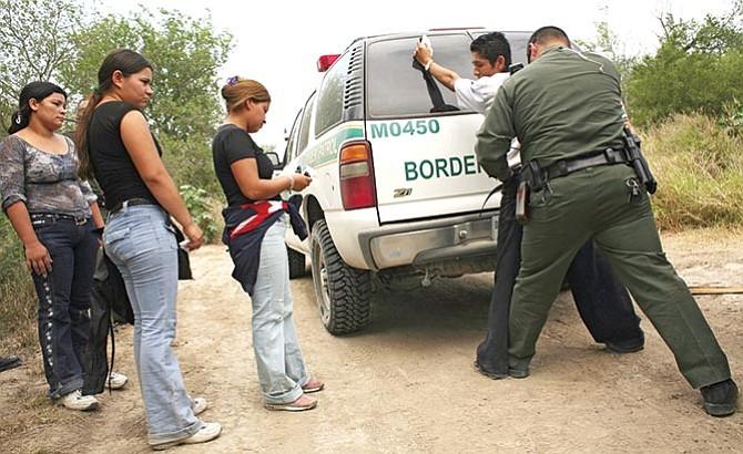 Este año disminuyeron los arrestos y las deportaciones de indocumentados