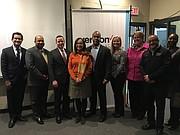 DIRIGENTES. Directivos de Columbia Heights Educational Campus y Verizon durante la presentación del lunes 11 de de diciembre en DC.