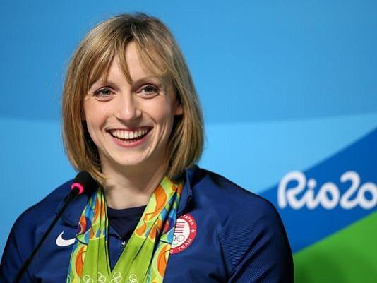 Katie Ledecky es la deportista femenina del año de AP