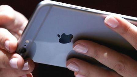 """Apple se disculpa por el """"malentendido"""" de los iPhone ralentizados"""