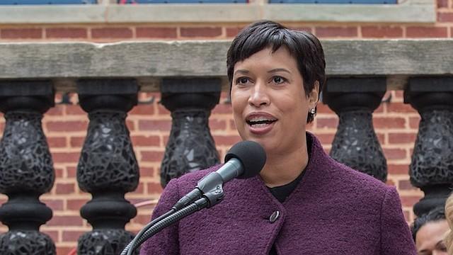 """""""Con nuestro enfoque comunitario para la prevención de los delitos y la violencia, estamos avanzando hacia un DC más seguro y más fuerte, pero tenemos mucho más por hacer"""", dijo la Alcaldesa Bowser."""