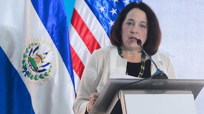 Embajadora de EE.UU. en El Salvador lamenta mensajes antiestadounidenses