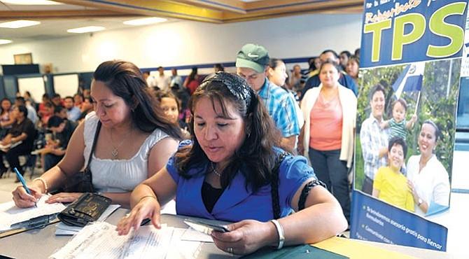 Gran expectativa por suerte del TPS de los salvadoreños