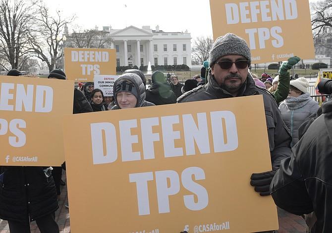 """La terminación del TPS para hondureños es """"despiadada y malévola"""""""