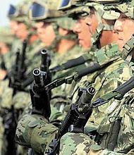 AUTONOMÍA. El Ejército Mexicano produce sus propios uniformes y calzados gracias a once fábricas que lo elaboran y no están disponibles al público.