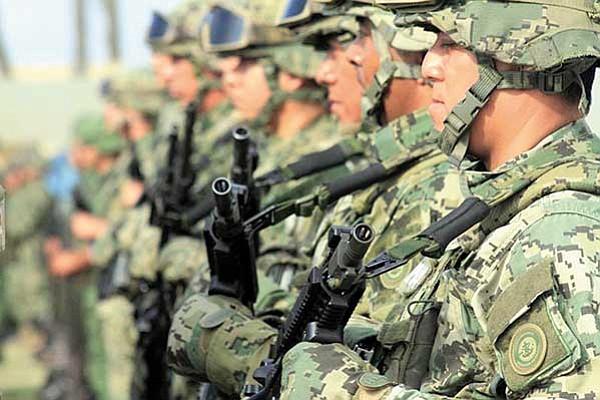 El Ejército produce su propio vestuario