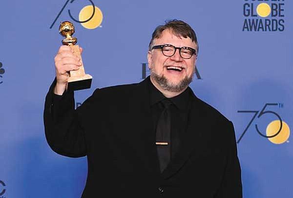 UN TITÁN. El director mexicano Guillermo del Toro ganó el Golden Globe a mejor director por la película 'The Shape of Water'.