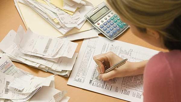 ATENTOS. Son distintos los errores que los contribuyentes pueden cometer al momento de llenar la declaración de impuestos.