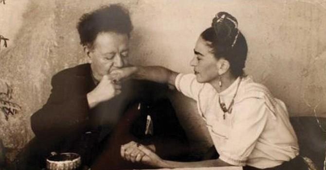 Frida Kahlo y su esposo Diego Rivera. Foto: The Red List.
