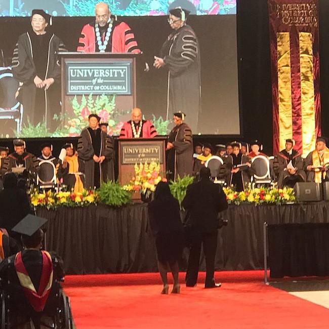 GRADUACIÓN. Una foto de la ceremonia de graduación de 2017 en UDC.