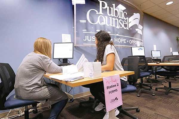 Reanudan aceptación  de solicitudes del DACA