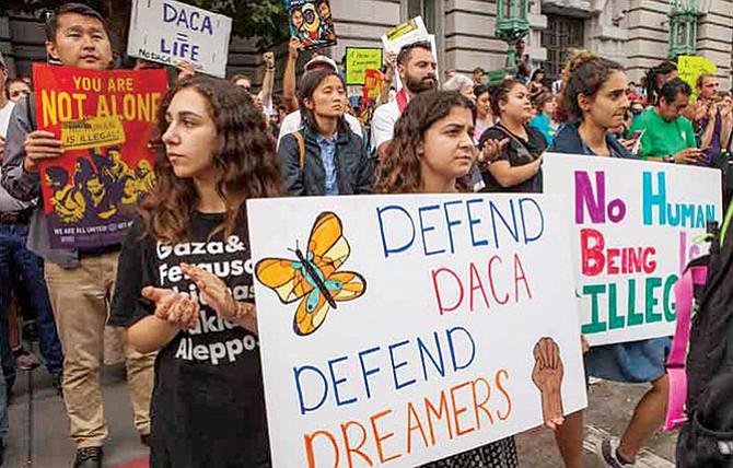Más los que quieren que 'dreamers' se queden en el país