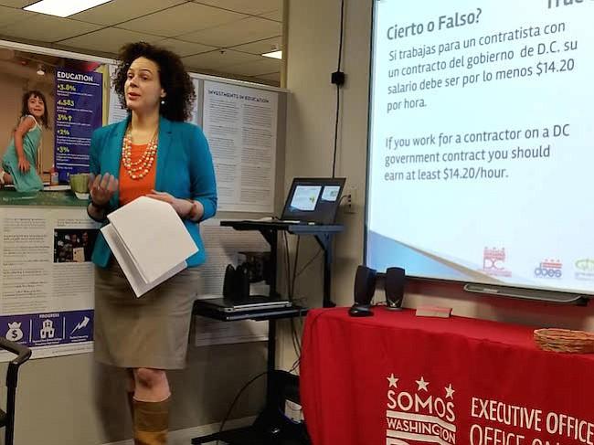 La especialista en derecho laboral, Sherley Cruz, brindó una sesión informativa en la sede de MOLA, DC