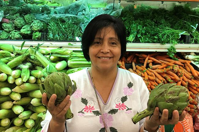Con incentivos en cupones de alimentos, ayudan a latinos a comer más sano