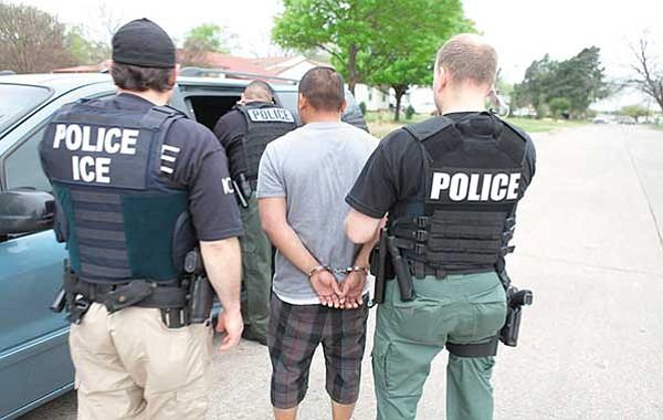 No solo latinos persigue el ICE