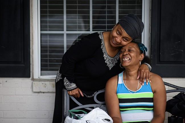 El dolor y la lucha: cómo es cuidar a una hermana con una enfermedad mental