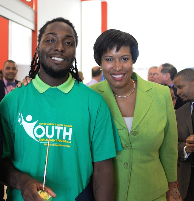JÓVENES. El Programa de Empleos de Verano para Jóvenes del  Alcalde Marion S. Barry está abierto a residentes de DC entre 14 y 24 años y las empresas que los deseen contratar.