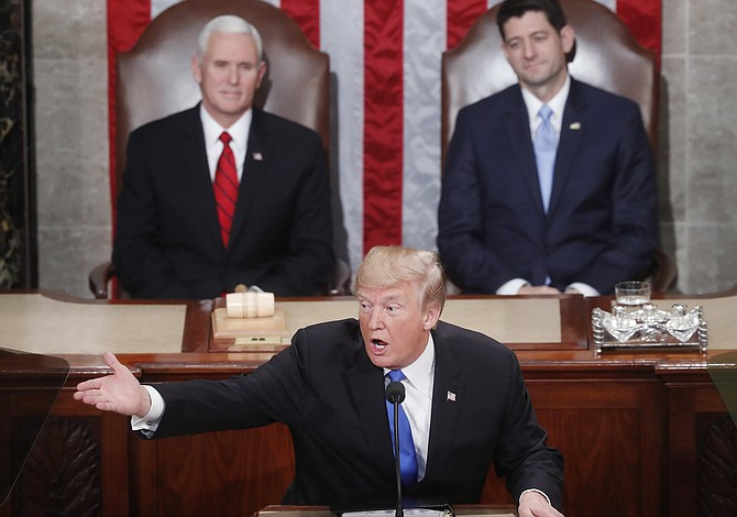 """Trump se dirige al país y pide la unión de ambas cámaras para """"proteger a los americanos"""""""