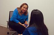 """El Centro para Mujeres del Este de Los Ángeles está abriendo un refugio en el campus de Los Angeles County-USC Medical Center. La proximidad vuelve más fácil que los médicos les pregunten a sus pacientes sobre la violencia, dijo Rebeca Meléndez, directora de bienestar en la oficina que tiene el centro en el hospital. """"No tienen que tener todas las respuestas. Sólo tienen que llamarnos"""", dijo."""