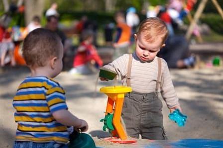 Por qué los niños necesitan ir al parque