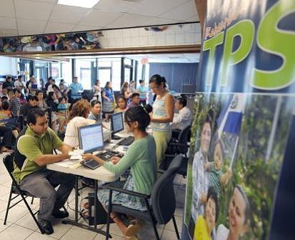 Cifra de salvadoreños reinscritos al TPS en EEUU alcanza los 14.500