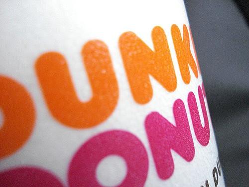 Dunkin Donuts dejará de servir café en vasos de espuma de poliestireno