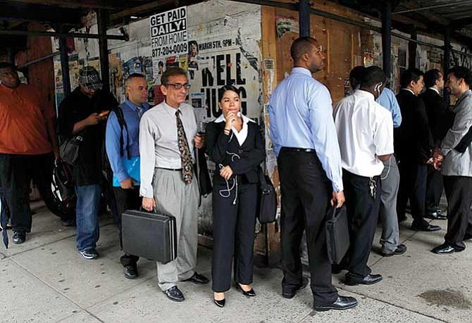 Encontrar empleo es  más difícil para los estadounidenses pobres