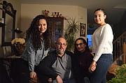 UNIDOS. De izq. a der.: Mariana, Enrique, Dunia y Fabiana Cuellar.