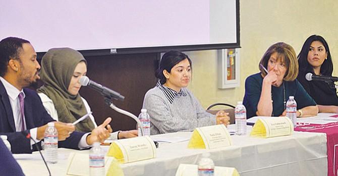 La legisladora Susan Davis, penúltima de izquierda a derecha, durante un foro sobre alivio de préstamos estudiantiles en las instalaciones de Universidad Estatal de California. Foto-Archivo: Horacio Rentería/El Latino.