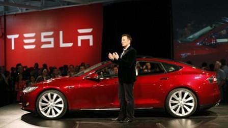 """Musk califica 2017 como """"fenomenal"""" pese a que Tesla multiplicó sus pérdidas"""