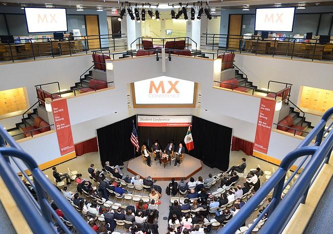 Mexicanos reflexionaron sobre su pasado, presente y futuro en la Conferencia de Harvard