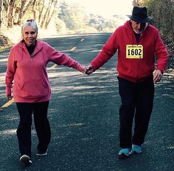María Soto, de 72 años, y su esposo Efrén, de 77, sus seis hijos adultos y 13 nietos, se atienden en el Anderson Valley Health Center, en Boonville, California.