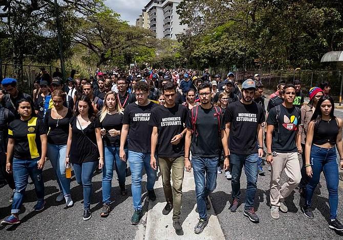Por Venezuela: Misa y protesta contra la crisis del país