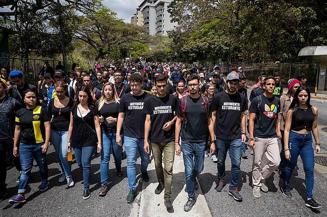 El pasado 12 de febrero, Día de la Juventud en Venezuela, el Movimiento Estudiantil convocó a la sociedad civil a una movilización en Caracas para conmemorar a los caídos durante protestas antigubernamentales desde el año 2014.
