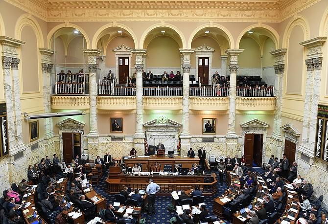 La Cámara de Delegados de Maryland en Annapolis, Maryland, aprobó en abril de 2016 la ley de permiso remunerado por enfermedad después de años estancarda en la legislatura.