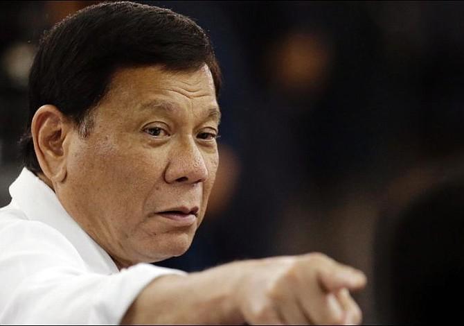 """Duterte criticado por desaconsejar los condones al """"no ser placenteros"""""""