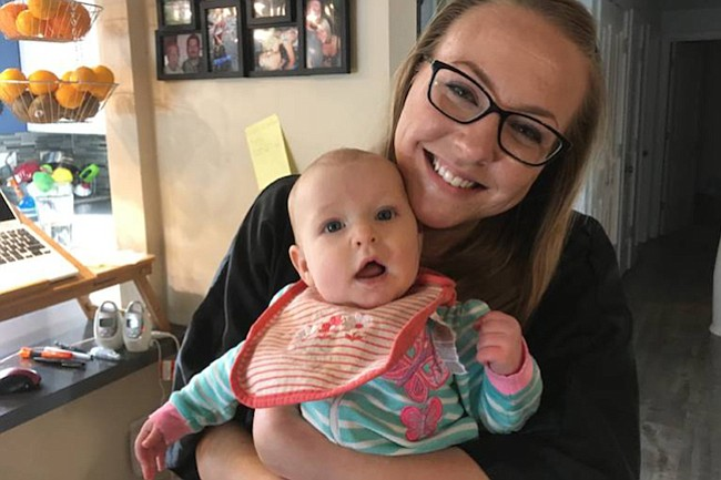 Jessica Porten fue a una cita médica con su hija Kira para buscar ayuda por una depresión postparto. La enfermera llamó a la policía.