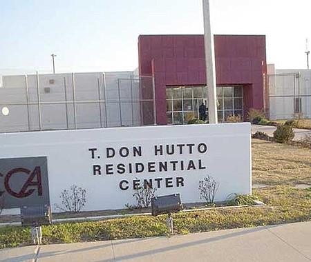 ATÍPICO. Las denuncias de abuso contra personal del T. Don Hutto Residential Center no tienen la repercusión social o mediática que ameritaría por tratarse de supuestas violaciones de los derechos más elementales.