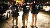 Agentes federales sorprenden con redadas en horarios poco comunes.