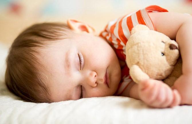 Claves para que tu bebé tenga un sueño seguro