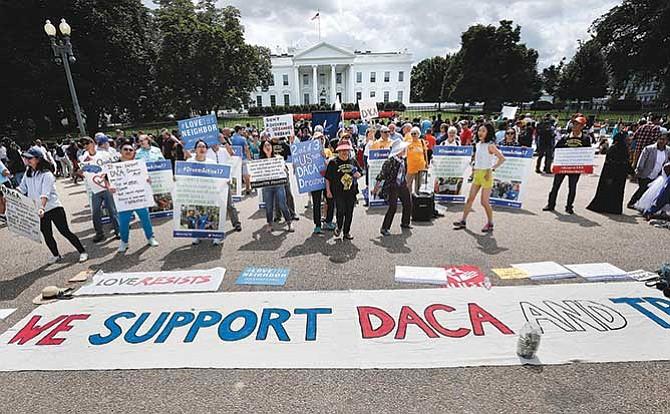 'Dreamers' pueden renovar sus permisos:El DACA sigue vigente