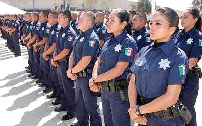 Policía busca recuperar  confianza en Ciudad Juárez