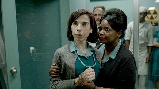 "Sally Hawkins y Octavia Spencer en ""The Shape of Water""."