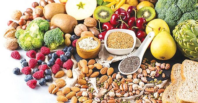 Una dieta variada de frutas, verduras, granos y semillas es la mejor receta contra el cáncer. Foto: Hola.com.