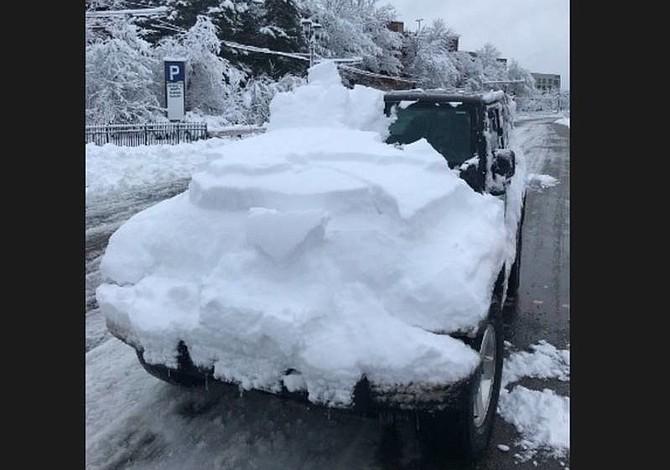Limpie la nieve de su carro para que no acabe multado