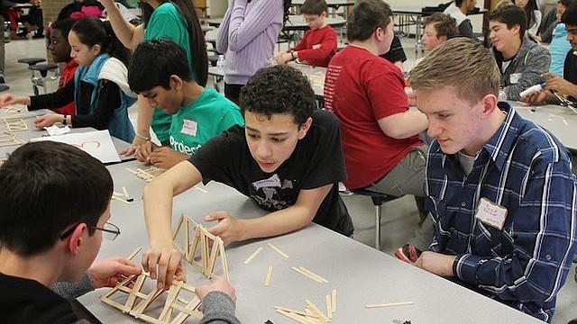 Project BEST inspira a los jóvenes estudiantes de escuelas media y primaria para que desarrollen su pasión por la innovación en el campo de STEM