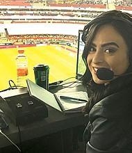HIZO HISTORIA. El memorable momento protagonizado por Iris Cisneros sucedió durante el encuentro entre América y León, desde el estadio 'Azteca'.